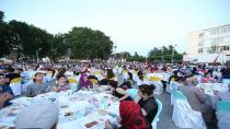 Sakarya Büyükşehir Belediyesi Hendek'te İftar Verdi