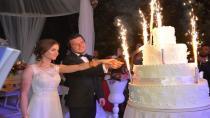 Türedi Ailesinden Muhteşem Düğün: Yiğit ve İnna Evlendi