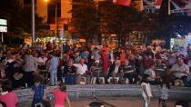 Hendek Halkı Demokrasi Nöbeti Devam Ediyor
