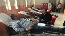 Öğretmen ve Velilerden Kan Bağışı